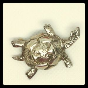 Vintage sterling silver Turtle pin